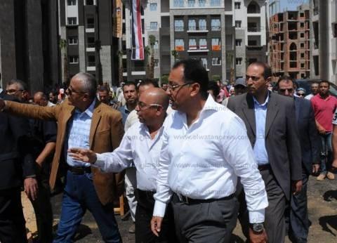 وزير الإسكان: بدء حجز وحدات العاصمة الجديدة بعد العيد والانتهاء من التشطيب قبل 2017