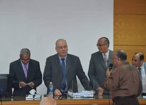 """قرعة بـ""""ميناء القاهرة الجوي"""" لاختيار 12 عاملا لأداء فريضة الحج"""