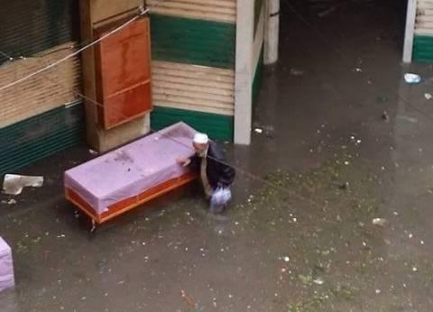 صرف باقي التعويضات لمتضرري أمطار الإسكندرية