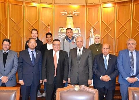 """""""جامعة الإسكندرية"""" تنظم رحلات لطلابها لزيارة المشروعات القومية"""