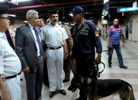 بالصور  مدير شرطة النقل والمواصلات يتفقد الخدمات الأمنية
