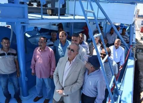 محافظ البحر الأحمر يدشنمركبي للصيد بتكلفة 5.5 مليون جنيه