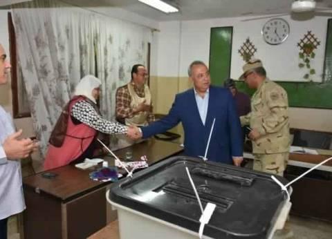 محافظ الشرقية يتفقد اللجان الانتخابية بمدينة الزقازيق
