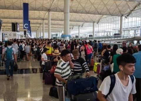 إلغاء جميع رحلات مطار هونج كونج مع دخول آلاف المتظاهرين إليه