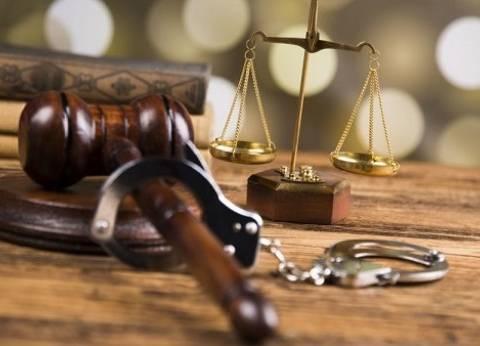 """تجديد حبس 3 عاطلين بتهمة سرقة """"توك توك"""" تحت تهديد السلاح 15 يوماً"""