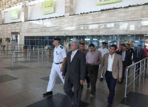 وفد من ضباط الشرطة الأمريكية يصل مطار القاهرة في جولة سياحية