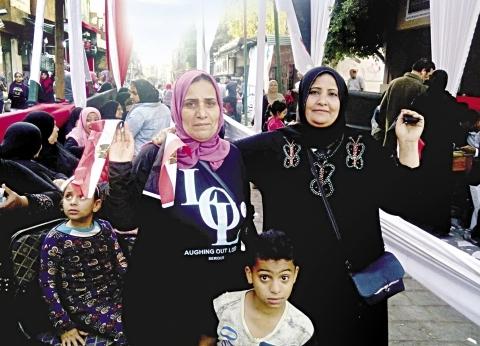 «أمل» نذرت نفسها لمصر: أنا وصاحبتى مابتفوتناش مشاركة