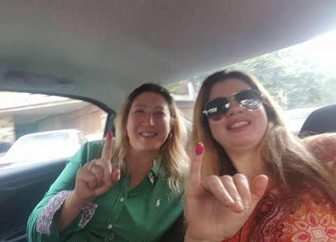 رانيا فريد شوقي بعد الإدلاء بصوتها في الانتخابات: تحيا مصر
