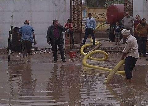 غرق شوارع المراكز الشمالية بالدقهلية بسبب الأمطار.. ومواطنون: المحليات لم تتغير