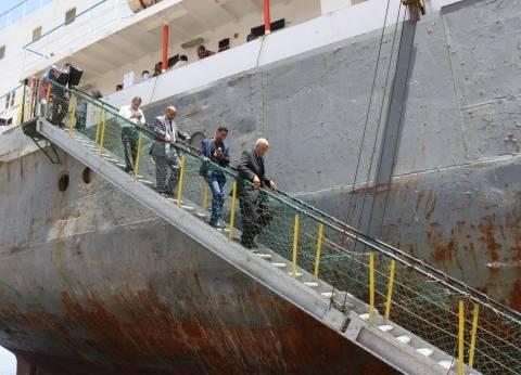 محافظ السويس يتفقد أعمال التطوير بميناء الأدبية