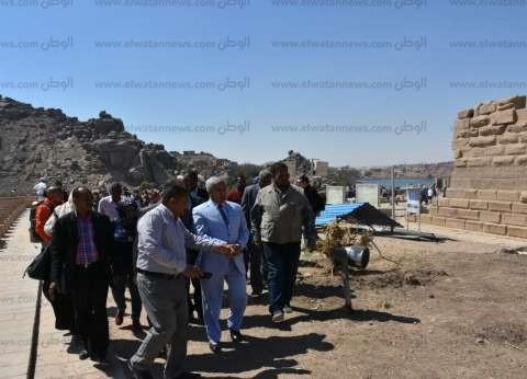 """عمرو أديب عن زيارة السيسي لمعبد فيلة: """"أعظم مكان على وجه الأرض"""""""