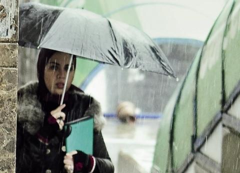 """""""الأرصاد"""" تحذر من طقس الغد: توقعات سقوط أمطار و""""رياح وشبورة وبرودة"""""""