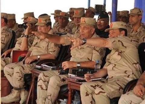 رئيس الأركان يلتقي عدد من قادة وضباط القوات المسلحة