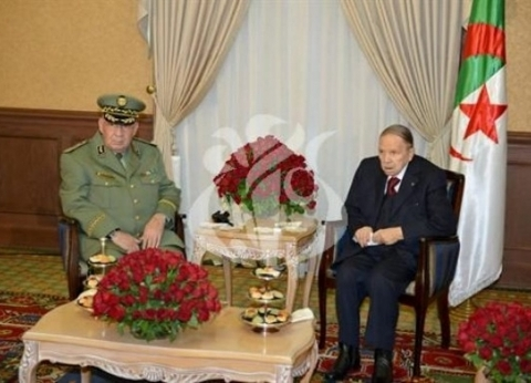 """باحث جزائري لـ""""الوطن"""": القرارات الأخيرة تؤكد قوة مؤسسة الرئاسة"""