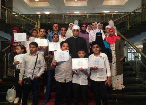رئيس قطاع المعاهد يكرم طلاب أزهر الإسماعيلية في تحدي القراءة العربي