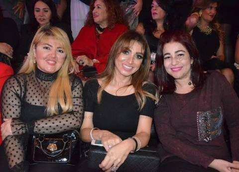 بالصور| عرض أزياء أحمد فايز بحضور دينا وروجينا ولقاء الخميسي