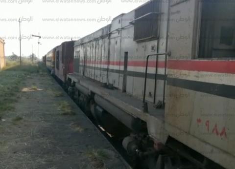 اصطدام جرار قطار بسيارة أثناء عبورها شريط السكة الحديد في البحيرة