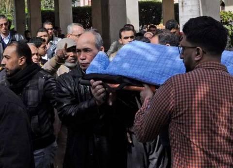 المئات من الأهالي يشيعون جنازة شقيقتين من ضحايا حادثة نوبيع بالإسكندرية
