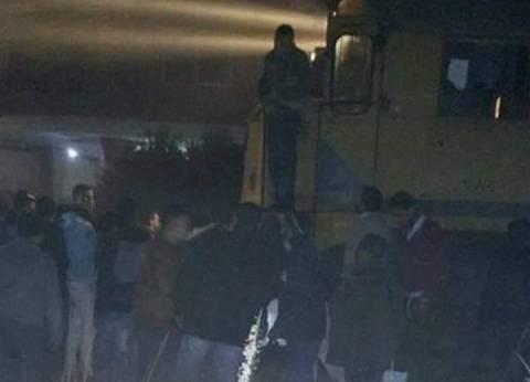 """إصابة 3 أشخاص في حادث انقلاب سيارة """"ميكروباص"""" بقنا"""
