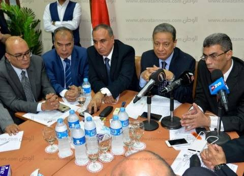 """رئيس """"دار التحرير"""": يجب إعادة الثقة بين القارئ والصحف القومية"""