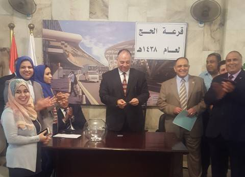 رئيس القابضة للمطارات يلتقي أعضاء اللجنة النقابية الجديدة