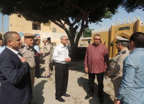 مساعد وزير الداخلية ومدير أمن المنيا يتفقدان إدارة قوات الأمن