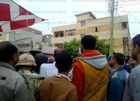 محافظ دمياط يتفقد لجان الانتخابات.. ويشكر الشرطة النسائية