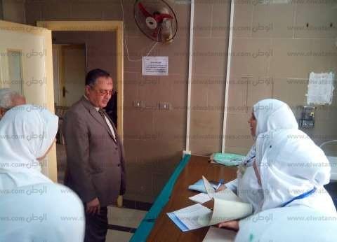مدير التأمين الصحي بالشرقية يتابع العمل بعيادة ههيا