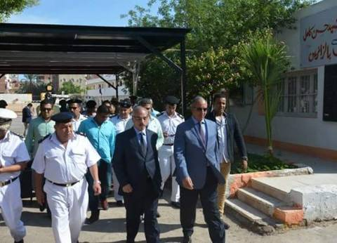 محافظ البحر الأحمر ومدير الأمن يتفقدان اللجان الانتخابية بالغردقة