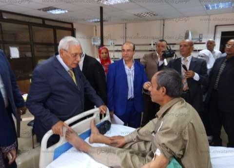 """محافظ الدقهلية يطالب مدير مستشفى """"بني عبيد"""" بإعادة توزيع الأطباء"""
