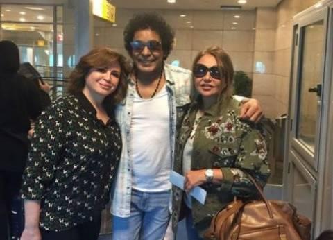 ليلى علوي تنشر صورتها مع منير وإلهام شاهين قبل سفرهم إلى الأقصر