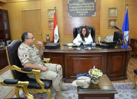 مدير المستشفى العسكري يهنئ محافظ دمياط لتوليها مهام عملها الجديد