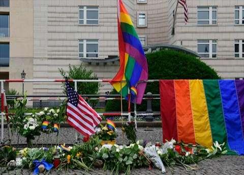 توقيف روسيين حاولا تكريم ضحايا أورلاندو أمام السفارة الأمريكية بموسكو