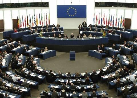 """الاتحاد الأوروبي يدين """"انتهاكات حرية الصحافة"""" بمختلف أنحاء العالم"""