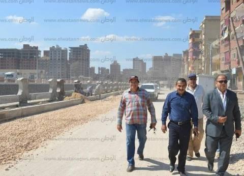 السكرتير العام لكفر الشيخ يتفقد كورنيش ترعة الزاوية