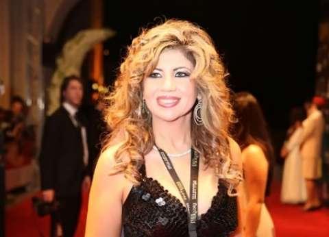بوسي شلبي مع حسين فهمي بـ«مهرجان الإسكندرية»: «الواد التقيل.. البرنس»