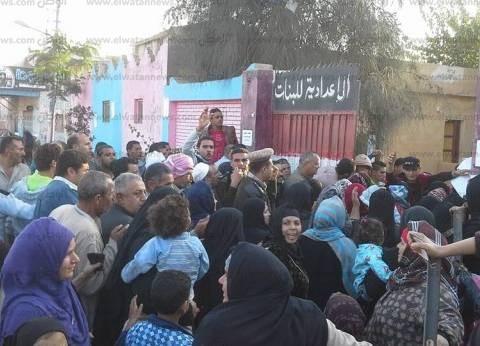 """مشادة كلامية بين مندوبي """"مرشحي المعادي"""" بسبب توجيه الناخبين"""