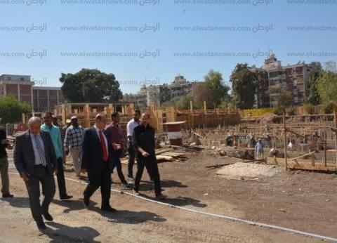 رئيس جامعة أسيوط يتفقد أعمال إنشاء أكبر مركز بحثي بالجامعات المصرية