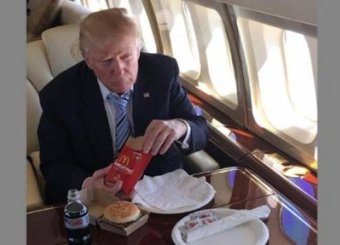 """ترامب محروم من """"ماكدونالدز"""" لوزنه الزائد: """"يهده الدايت"""""""