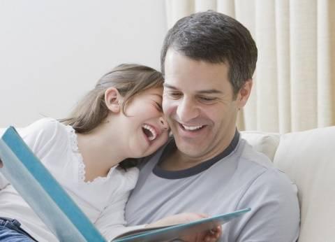 """""""حدوتة قبل النوم"""".. تحسن مهارات أطفالك اللغوية"""