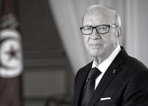 """بعد رحيل """"القايد"""".. رسائل الرئاسة التونسية إلى الشعب"""
