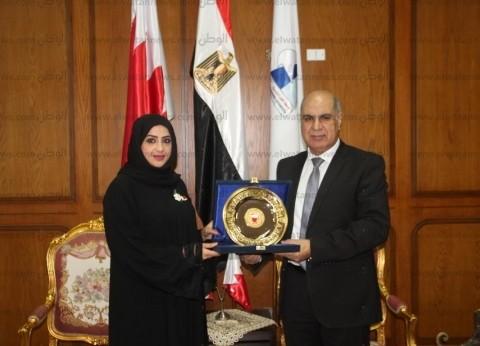 بالصور| رئيس جامعة كفر الشيخ يبحث التعاون مع المستشار الثقافي البحريني