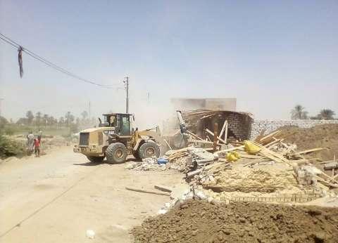 محافظ الإسكندرية: نتحقق من جدية طلبات تقنين الأراضي قبل الموافقة