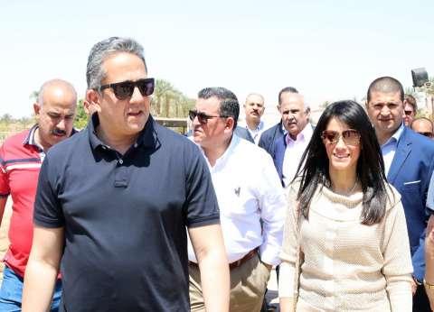 """وزير الآثار يفتتح معبد """"الإيبت"""" أمام الجمهور بحضور يسرا والمشاط"""