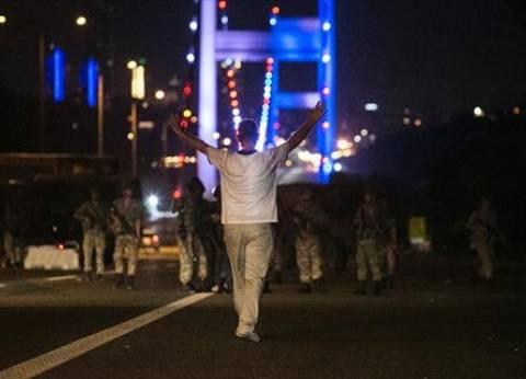 """""""الفرنسية"""": الغموض سيد الوضع بعد محاولة انقلاب عسكري في تركيا"""