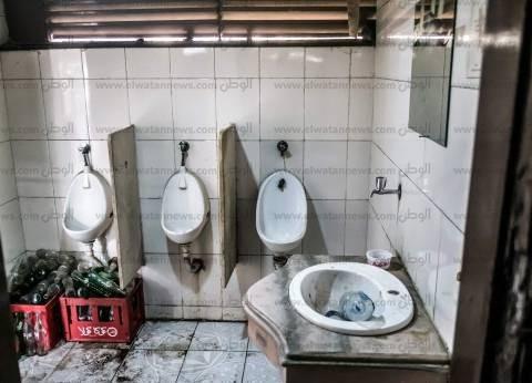 القاهرة: الأجرة جنيه لدخول مرحاض «عبدالمنعم رياض» والأبواب بدون ترابيس وحنفياته «بايظة» والمرايات «مكسورة»
