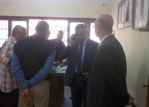 وكيل وزارة التربية والتعليم بالقليوبية يحيل عددا من الموظفين والمدرسين للتحقيق