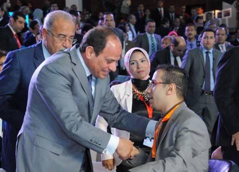 «السيسى»: الجيش يحمى مصر وليس النظام