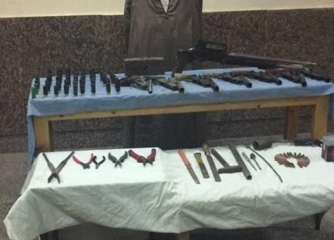 ضبط 26 قطعة سلاح ناري و9 قطع أسلحة بيضاء في حملة بالشرقية