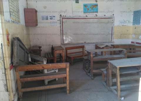 محافظ الإسكندرية يكلف مديري الإدارات التعليمية بحصر احتياجات كل مدرسة